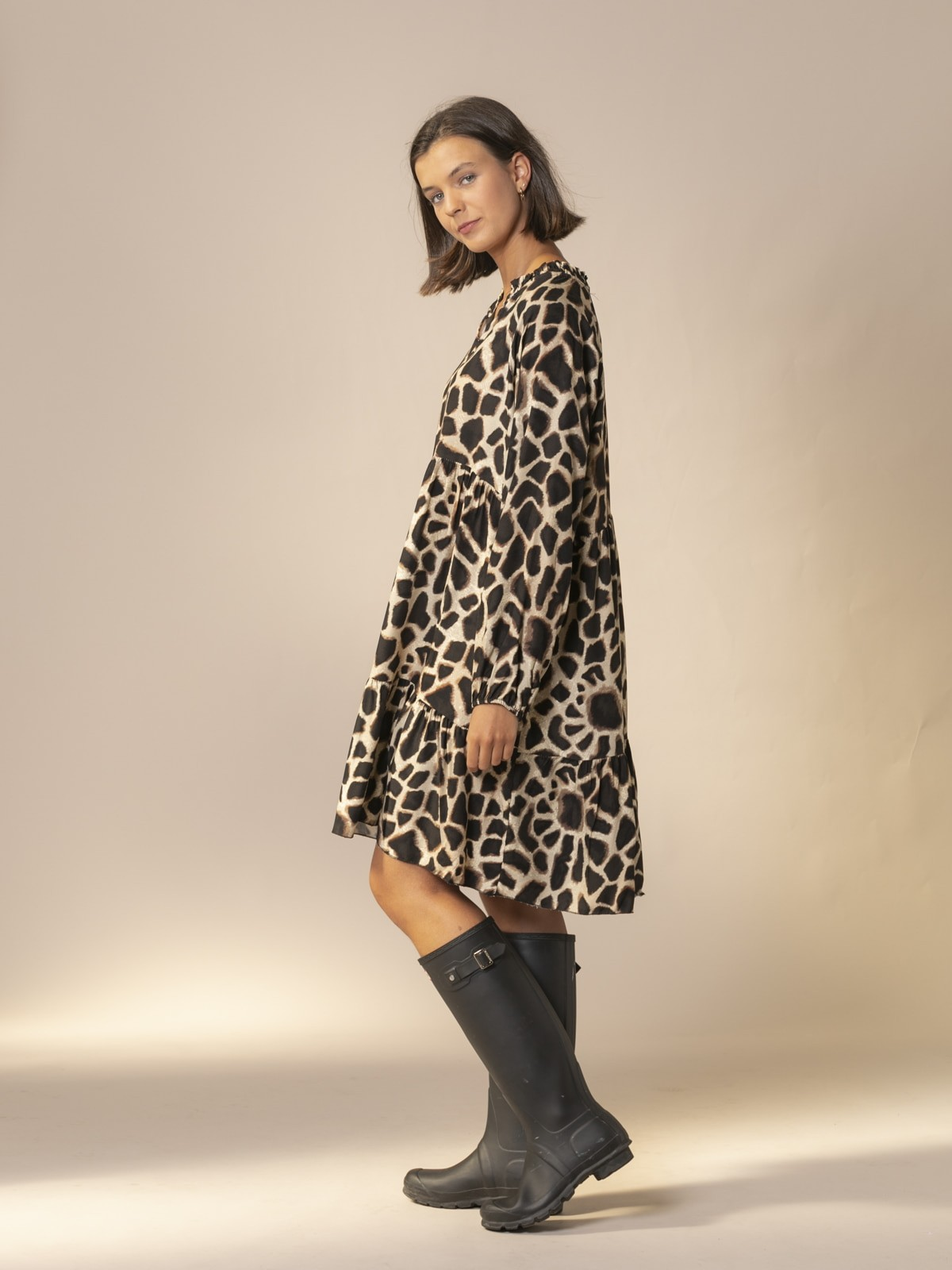 Vestido midi oversize animal print Negro