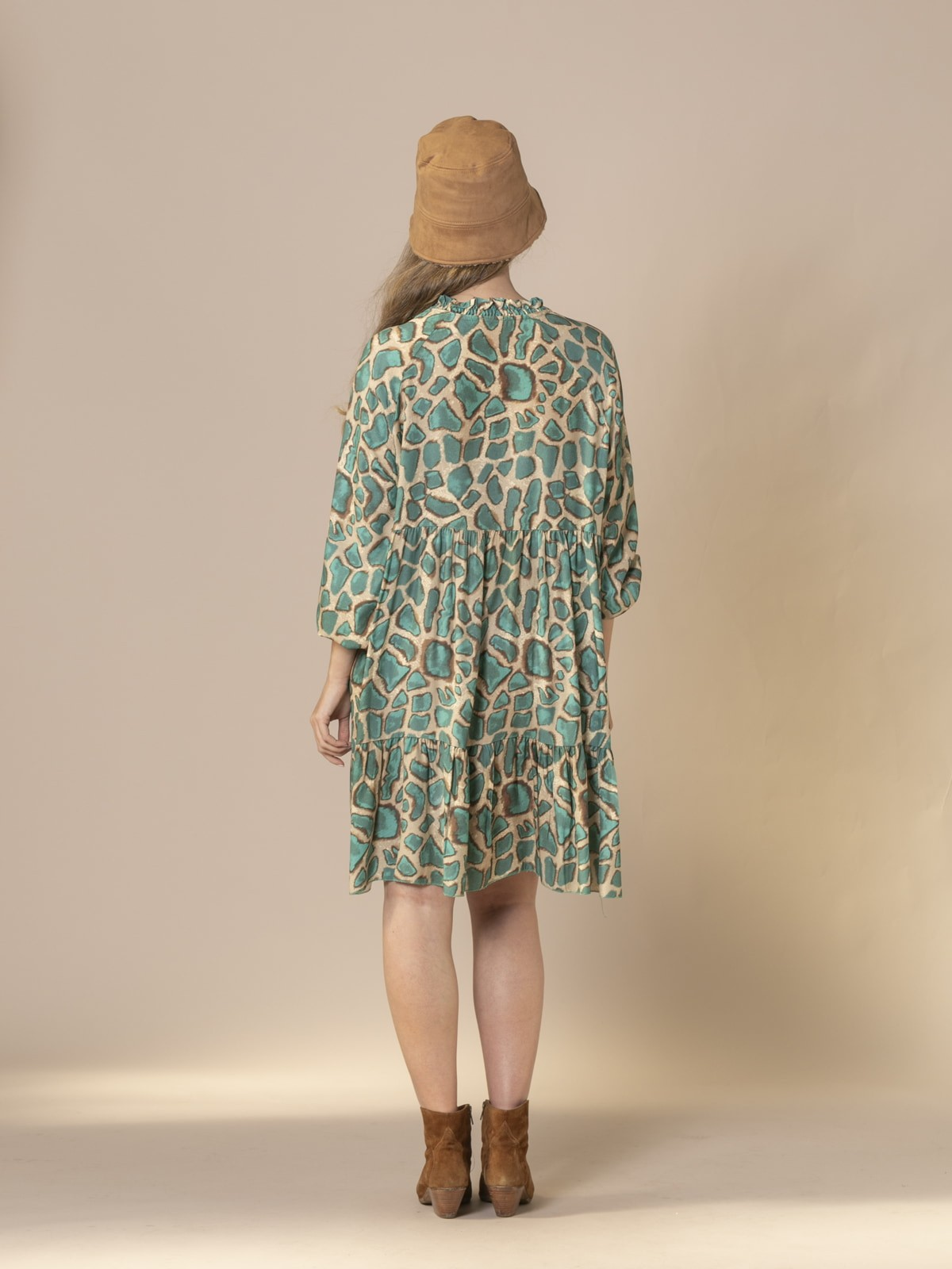 Woman Oversized animal print midi dress Green