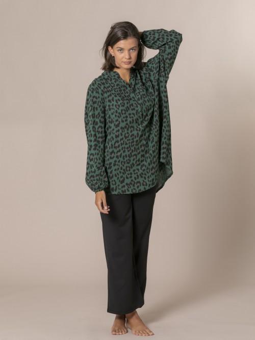 Woman Animal print button shirt Green