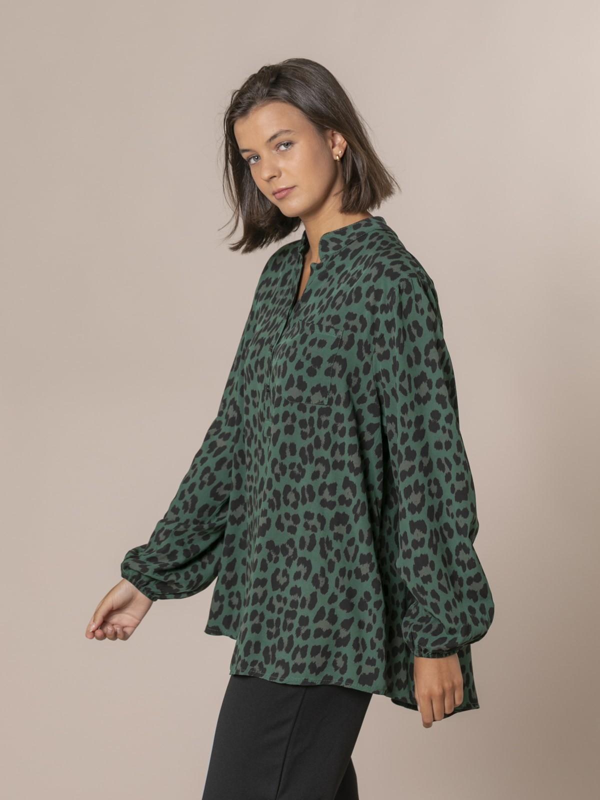 Camisa mujer botones animal print Verde