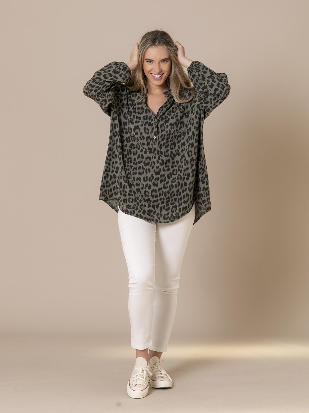 Camisa mujer botones animal print Caqui