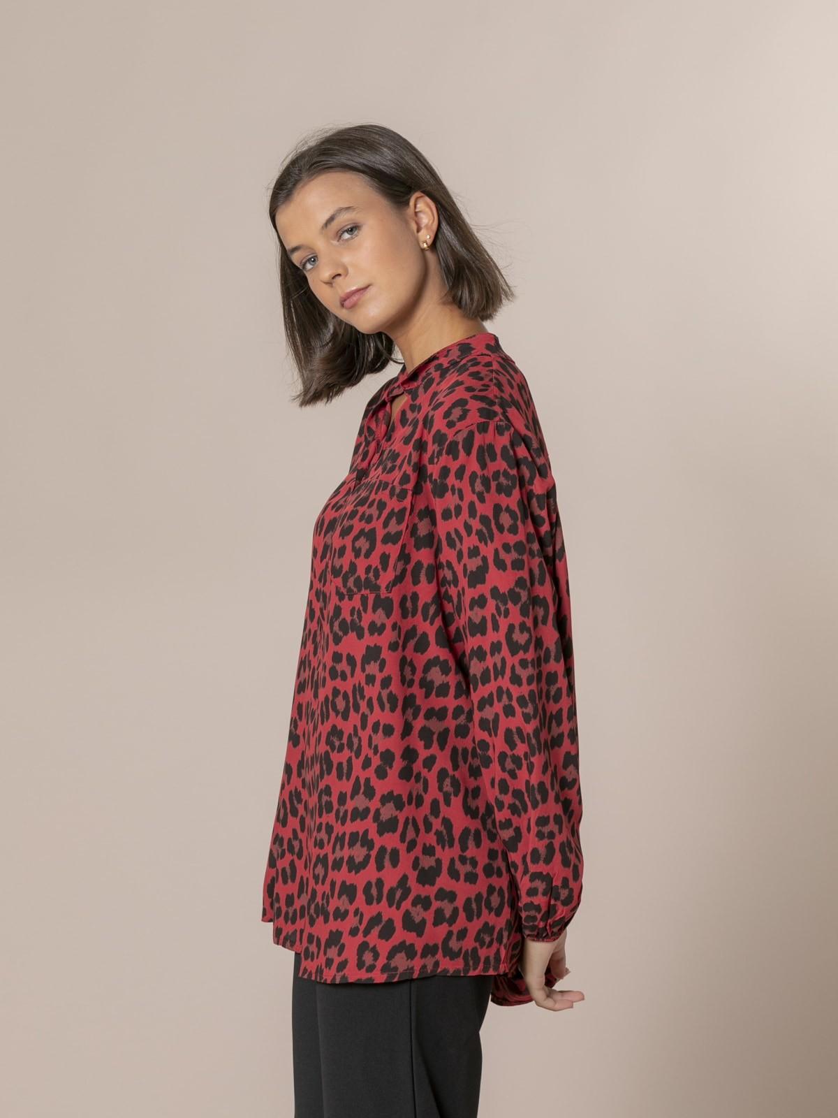 Camisa mujer botones animal print Rojo