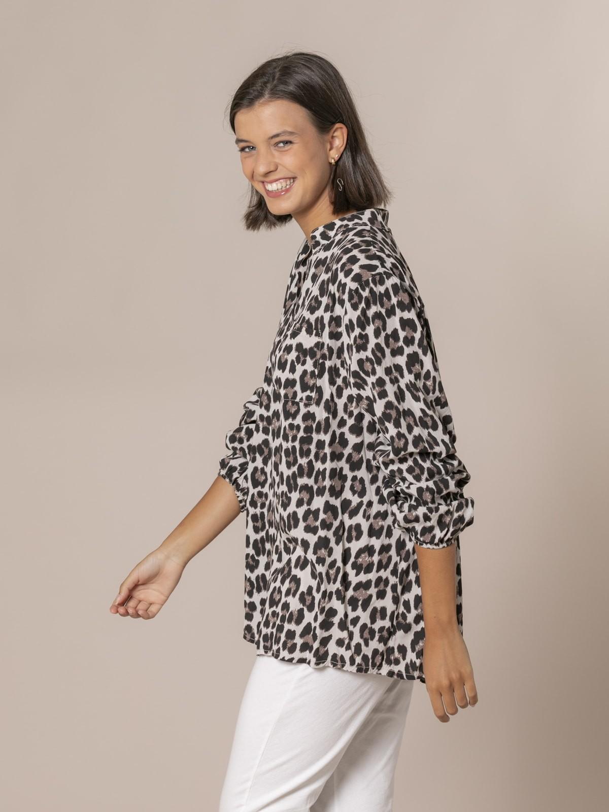 Camisa mujer botones animal print Beige