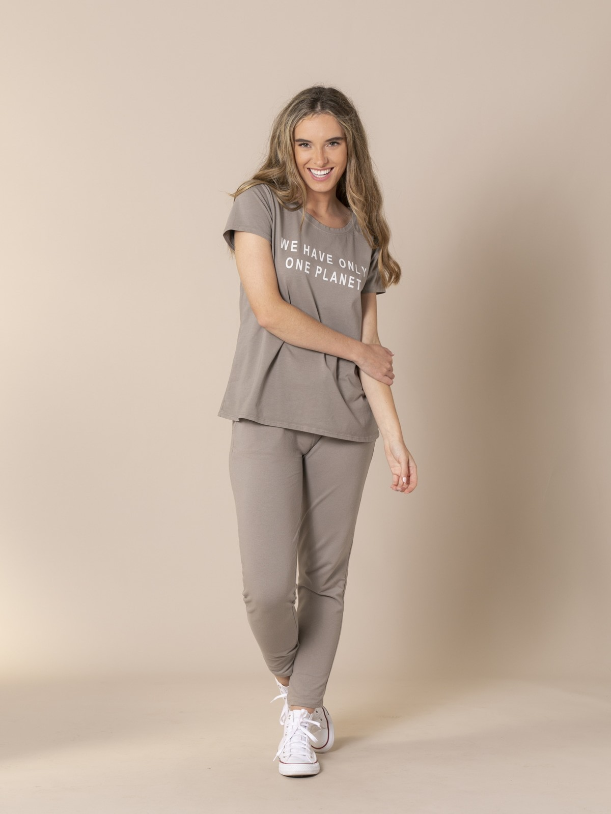 Woman ONE PLANET message T-shirt Grey