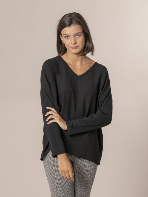 Blusa mujer cuello pico Negro