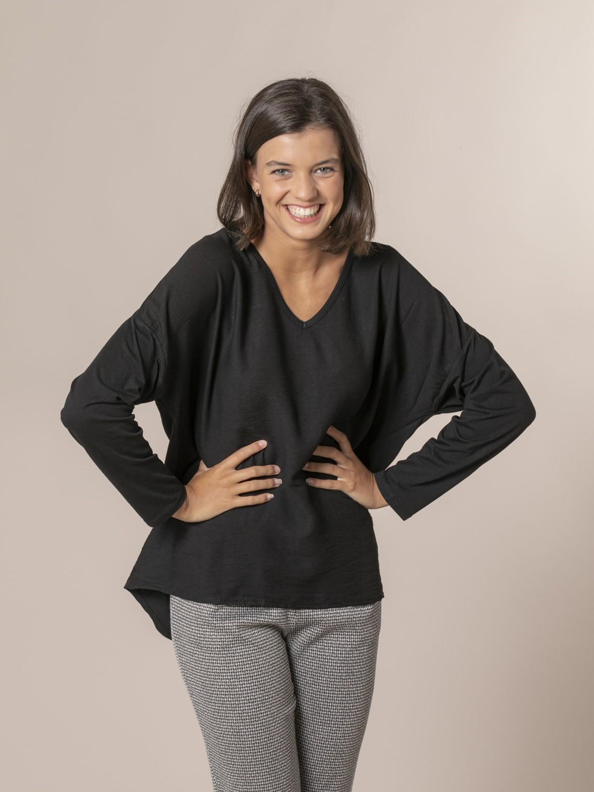 Woman V-neck blouse Black