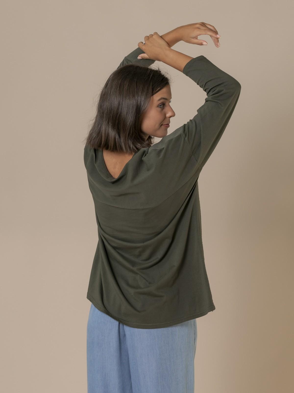 Blusa mujer cuello pico Caqui