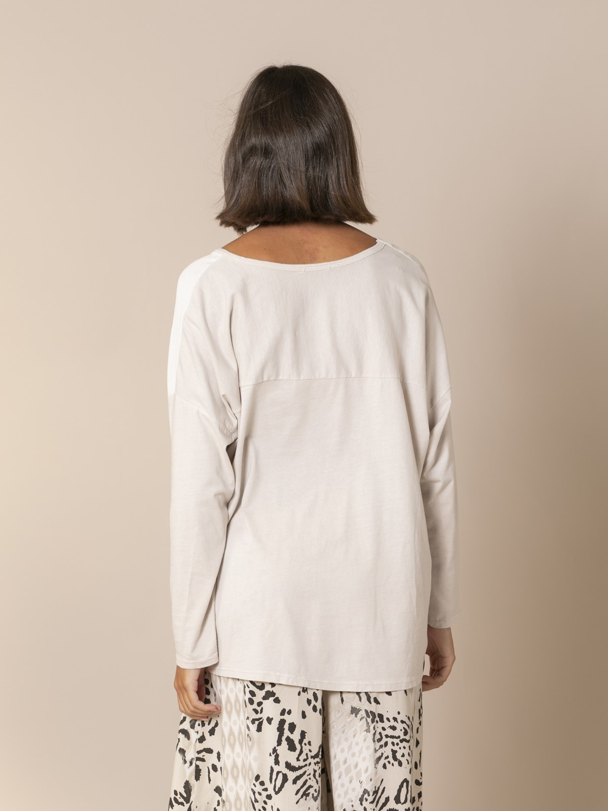 Woman V-neck blouse Beige