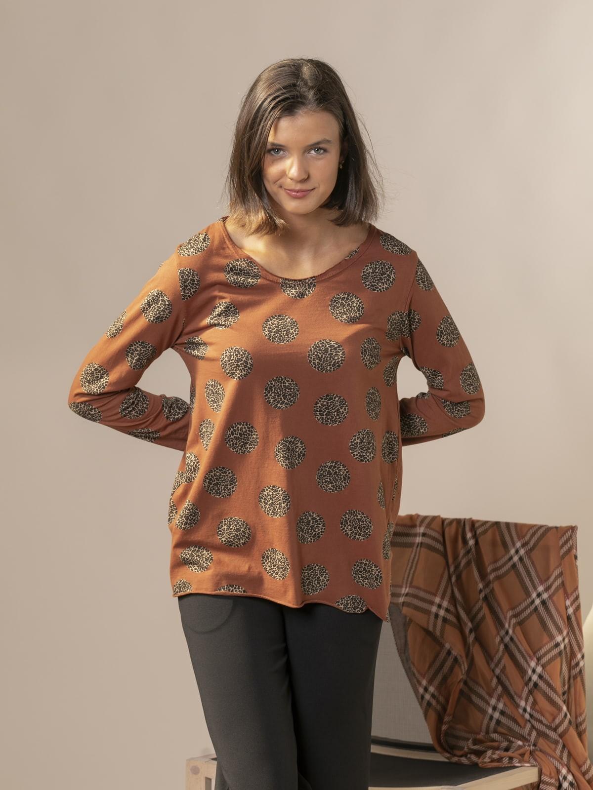 Woman Fantastic animal print t-shirt Tile