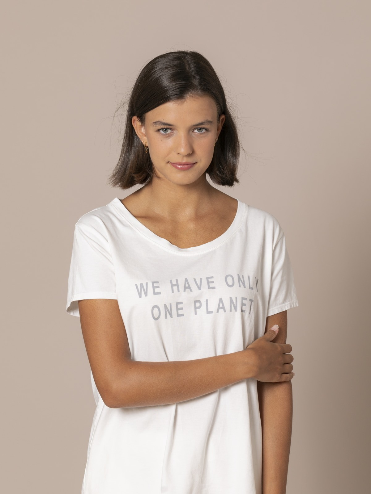 Woman Ecofriendly message T-shirt Crudo