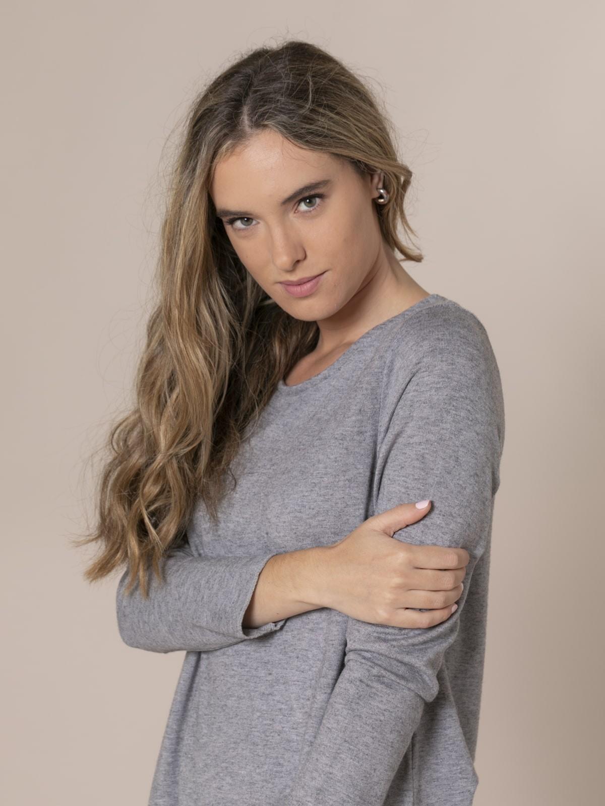 Jersey mujer punto fino cuello redondo Gris