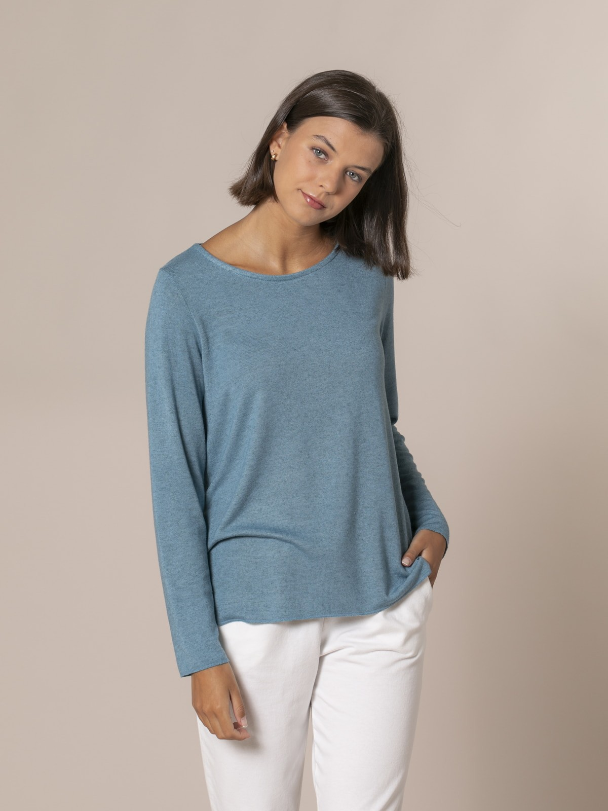 Woman Round neck fine knit sweater mint