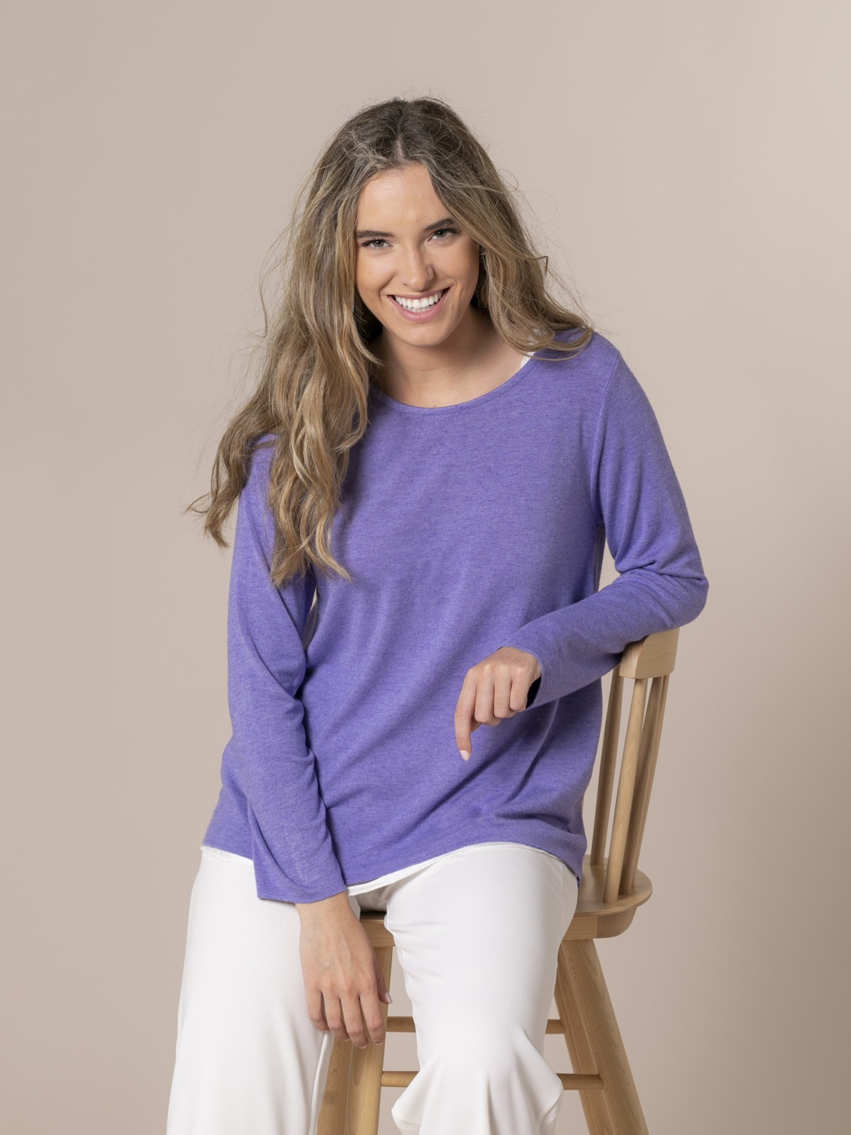 Woman Round neck fine knit sweater Violet