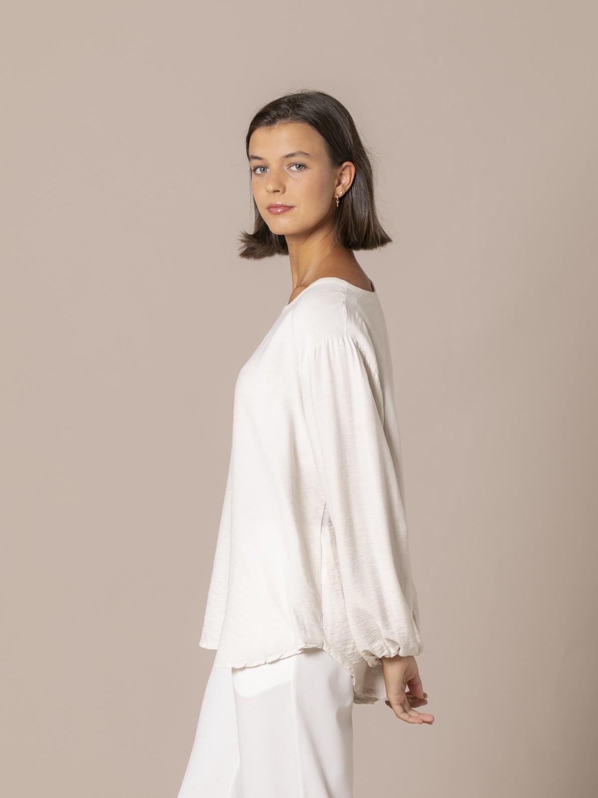 Woman Flowy blouse with elastic cuffs Beige