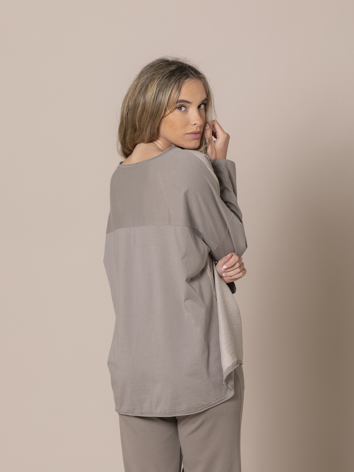Woman Round neck blouse Stone