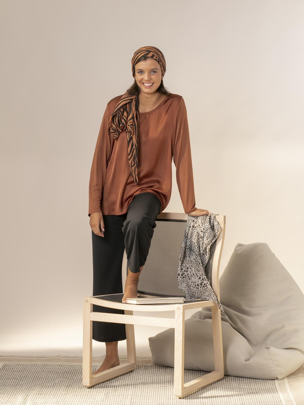 Woman Long sleeve flowy t-shirt Tile