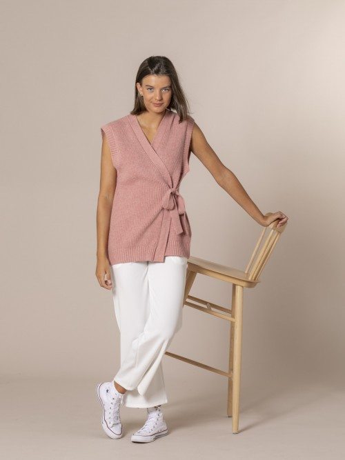 Woman Knotted crossover knit vest Pink