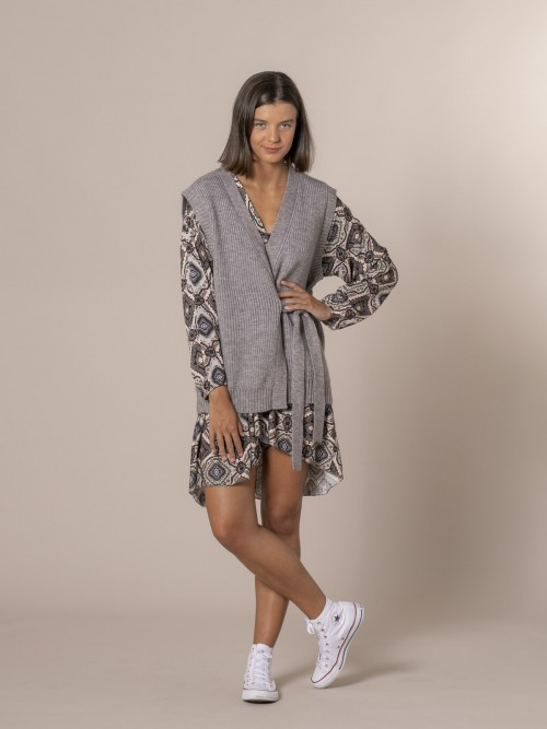 Woman Knotted crossover knit vest Grey