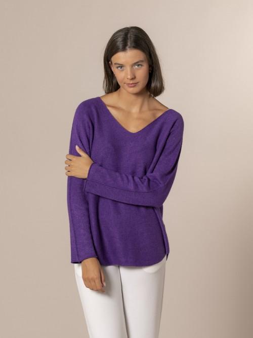 Woman V-neck knit sweater Violet