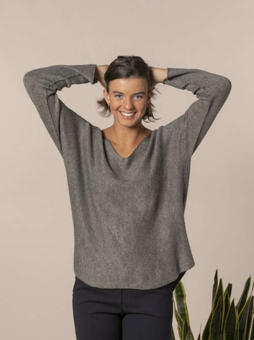 Woman V-neck knit sweater Green