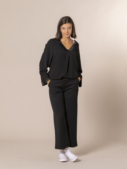 Pantalón mujer de caida con bolsillos Negro