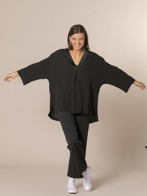 Woman Oversized V-neck camisole Black