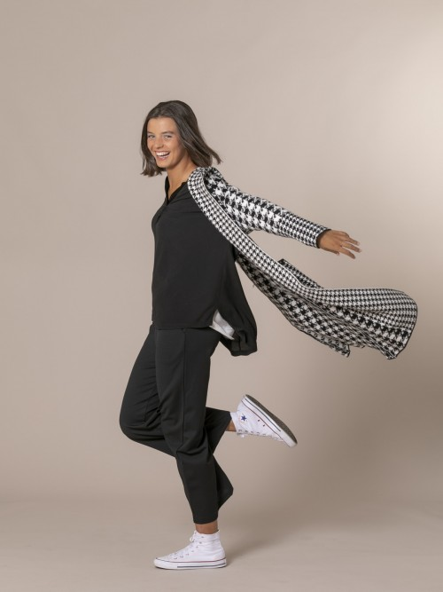 Woman Houndstooth coat with hood Black