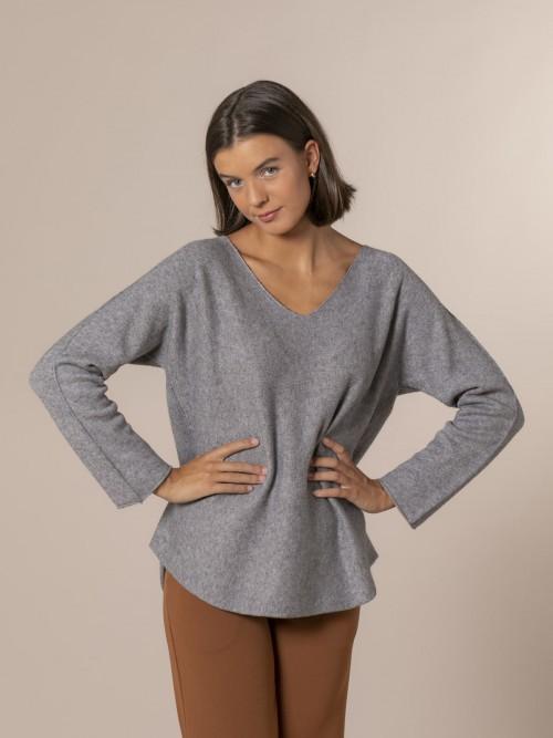 Woman V-neck knit sweater Grey