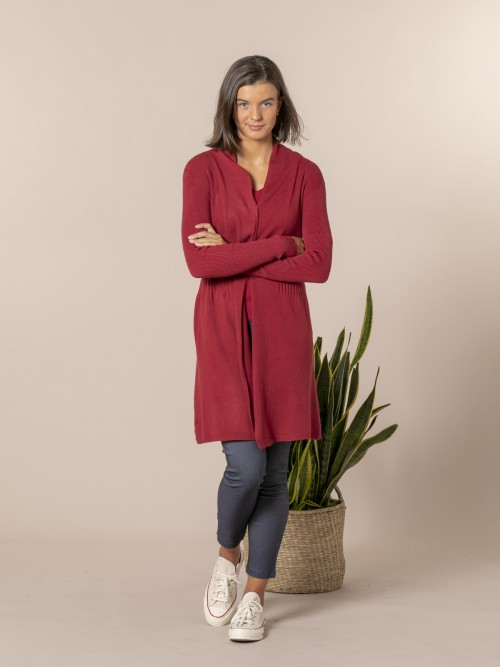 Woman Fitted cardigan Granate