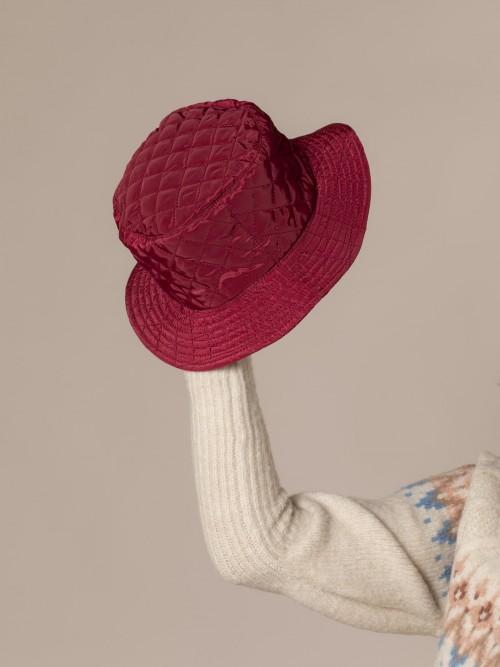 Woman Waterproof padded hat Granate