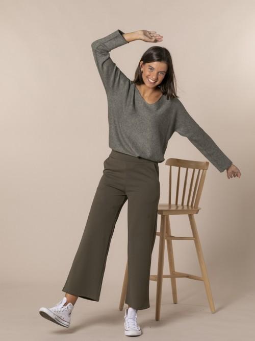 Pantalón mujer de caida con bolsillos Caqui