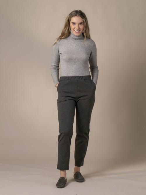 Pantalón mujer punto confort con bolsillos Gris