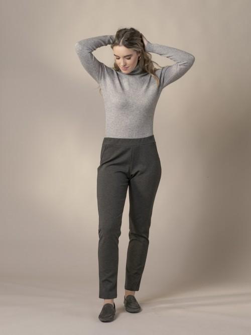 Pantalón mujer sport ribete polipiel Gris Oscuro