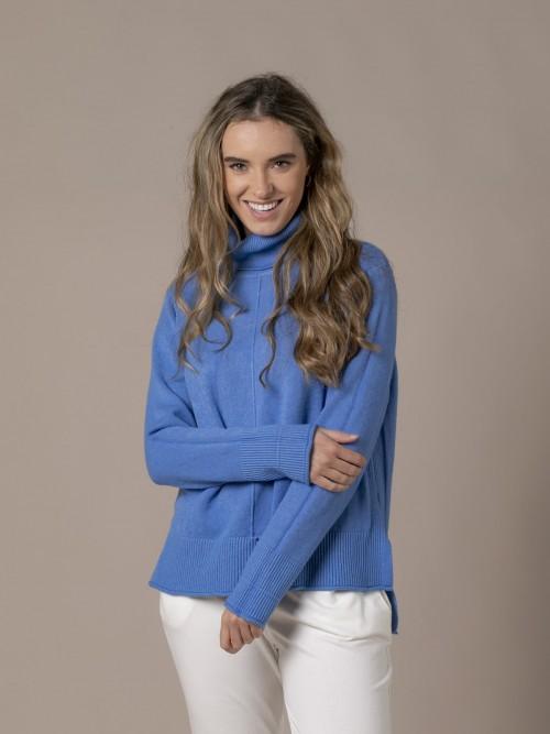 Woman Irregular low turtleneck knit sweater Blue