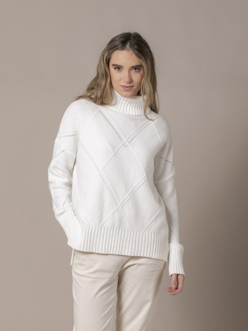 Woman Knitted sweater with rhombus pattern and roll neck White