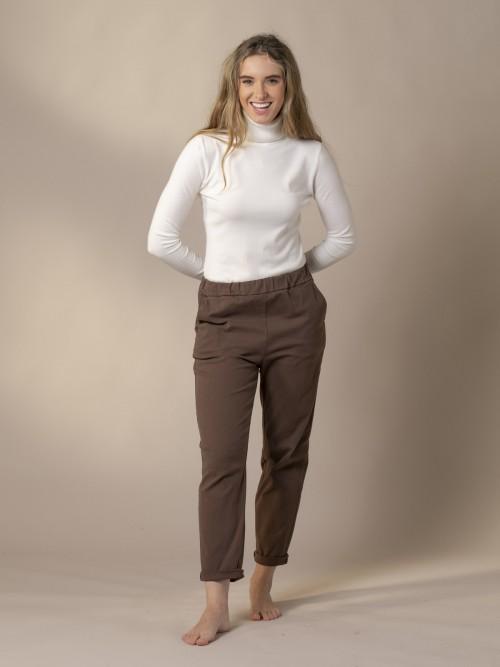 Pantalón mujer soft Marrón