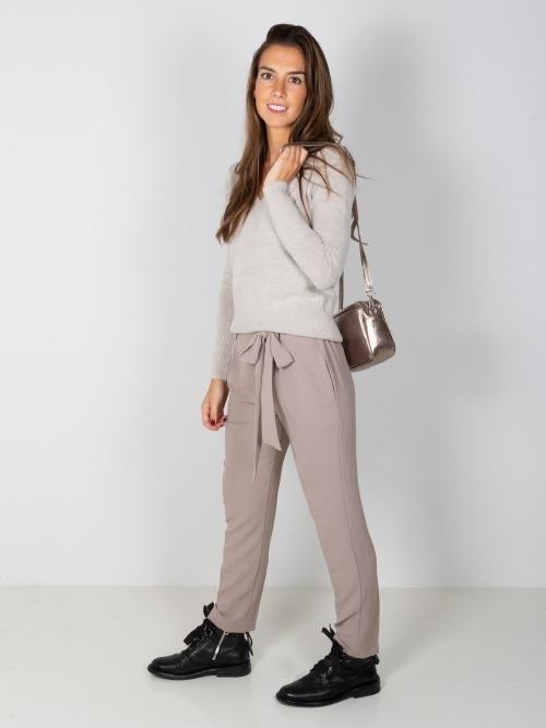 Pantalon fluido con cinturon mujer