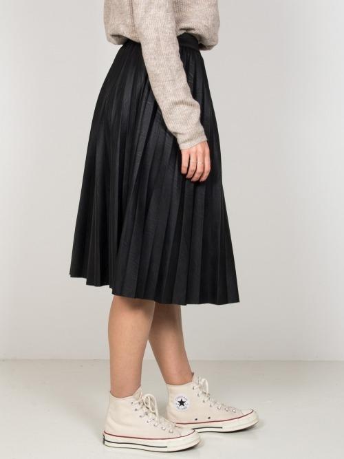 Falda midi lisa ecopiel